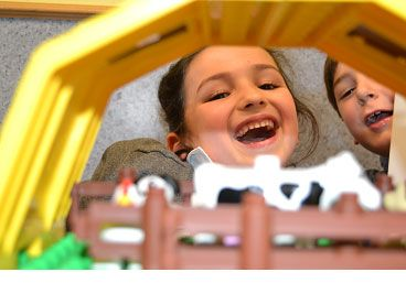Eraintxiki y eskibel organizadores del concurso Lego