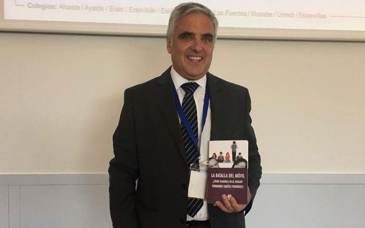 """Fernando García: """"La dependencia al móvil en la infancia dificulta la socialización y el desarrollo de la imaginación"""""""